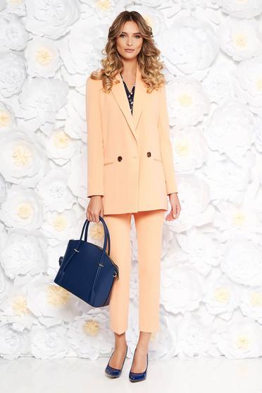 Barackvirágszínű StarShinerS irodai női kosztüm egyenes szabás rugalmatlan finom szövet belső béléssel