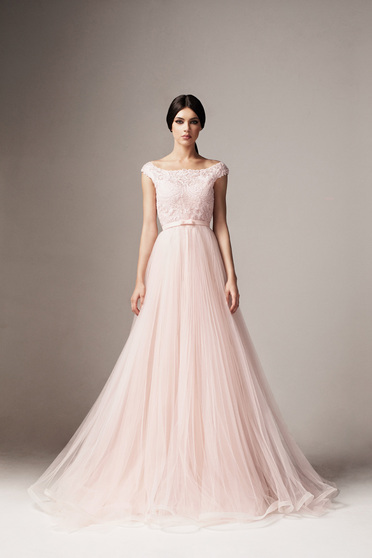 Világos rózsaszín Ana Radu harang ruha tüll és csipkés anyag belső béléssel övvel ellátva