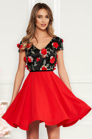 7060effc4c Piros StarShinerS alkalmi harang ruha fátyol anyag v-dekoltázzsal hímzett  virágos díszek 3d effekt