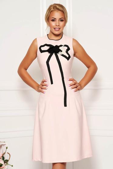 Világos rózsaszín Artista elegáns harang ruha enyhén rugalmas anyagból kézzel varrott díszítésekkel