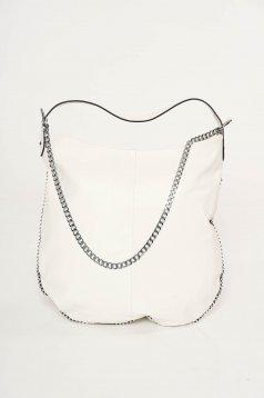 Fehér casual táska műbőr fém lánccal van ellátva