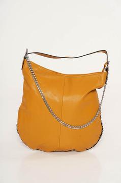 Mustar casual táska műbőrből fém lánccal