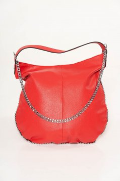 Piros casual táska műbőrből fém lánccal