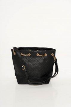 Fekete casual táska műbőr fém lánccal van ellátva