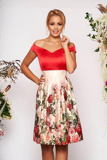 Piros StarShinerS alkalmi rövid virágmintás harang ruha szaténból eltávolítható övvel