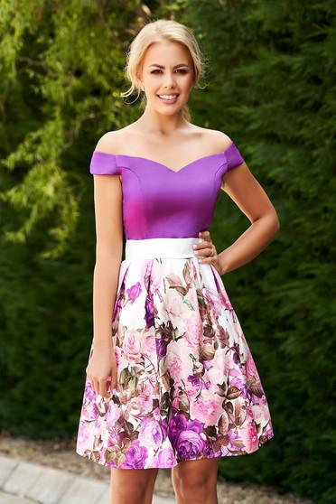Lila StarShinerS alkalmi rövid virágmintás harang ruha szaténból eltávolítható övvel