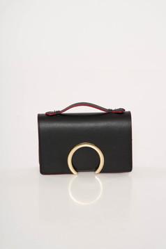 Fekete alkalmi bőr táska fémes kiegészítővel