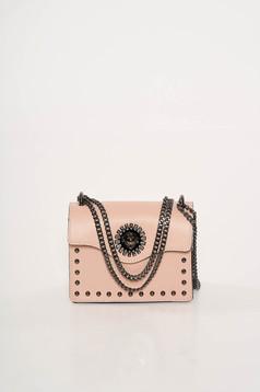 Rózsaszínű bőr táska fémes szegecsekkel hosszú lánc típusú pánt valamint rövid