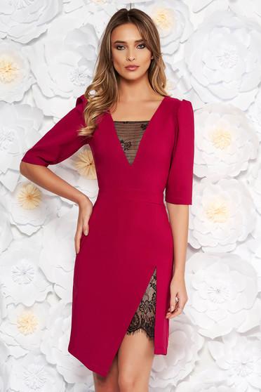 dae9794acc Fukszia LaDonna elegáns ruha szűk szabás v-dekoltázzsal csipke díszítéssel