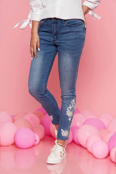 Kék Top Secret casual skinny nadrág enyhén elasztikus pamut hímzett betétekkel