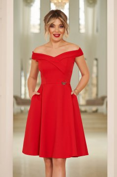 Piros StarShinerS alkalmi elegáns harang dekoltált váll nélküli ruha vékony, rugalmas szövetből