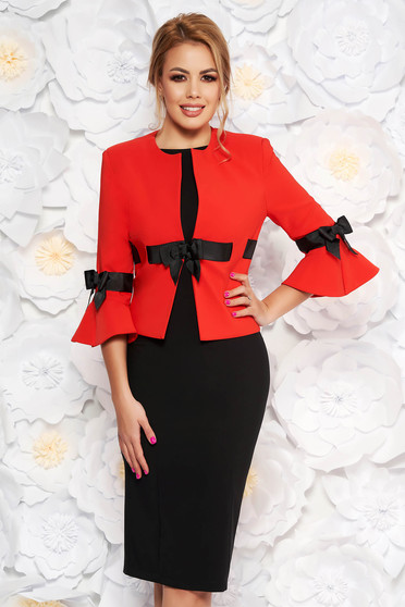 9bb18ee365 Piros LaDonna elegáns női kosztüm szövettel harang ujjakkal