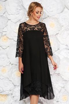 Fekete alkalmi egyenes ruha enyhén elasztikus szövetből csipke ujjakkal muszlinból