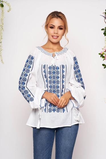 Kék bő szabású hímzett női ing rugalmatlan pamutból zsinórral