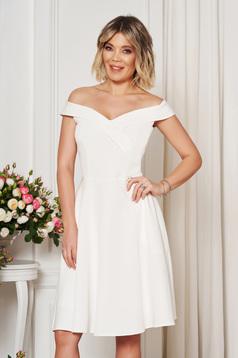 Fehér StarShinerS alkalmi elegáns harang ruha dekoltált váll nélküli vékony, rugalmas szövet