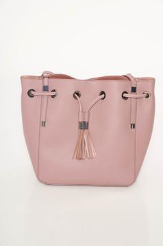 Rózsaszínű casual táska bojtos
