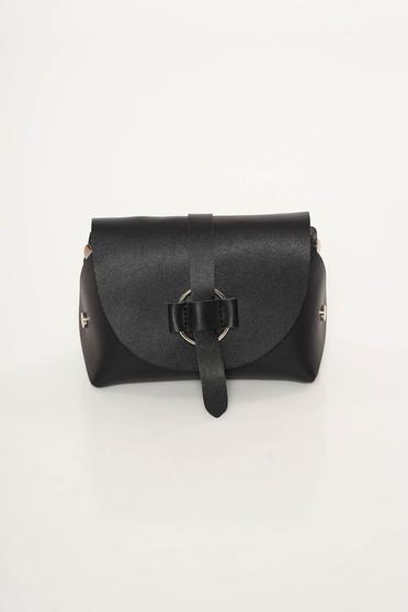 Fekete casual táska műbőr hosszú lánc típusú pánttal