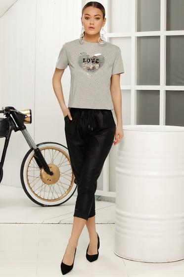 Fekete casual nadrág derékban rugalmas zsebes