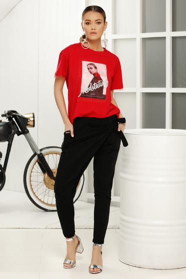 Piros casual bő szabású póló rövid ujjakkal finom tapintású anyag
