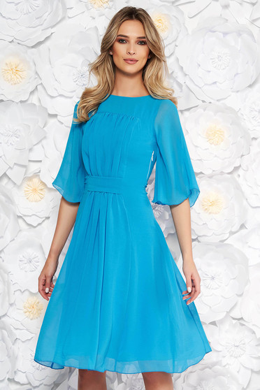 Kék elegáns harang ruha fátyol anyag belső béléssel háromnegyedes ujjakkal