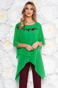 Zöld elől hímzett elegáns bő szabású női blúz aszimetrikus fátyol