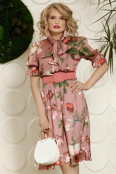 Rózsaszínű PrettyGirl elegáns hétköznapi harang ruha elasztikus csípővel öv típusú kiegészítővel
