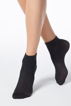 Fekete zoknik rugalmas anyag háló típus
