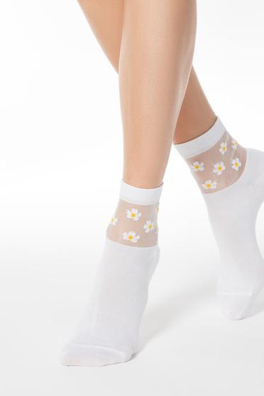 Fehér zoknik rugalmas pamut kidomborodó virágokkal