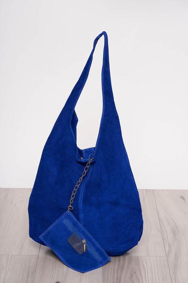 Kék közepes hosszúságú fülekkel ellátott táska