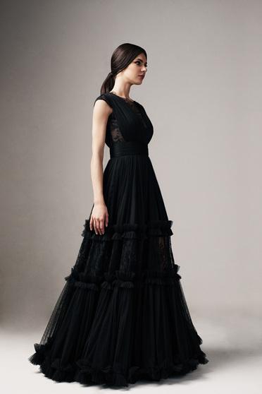 Fekete Ana Radu alkalmi harang ruha v-dekoltázzsal csipke díszítéssel övvel ellátva