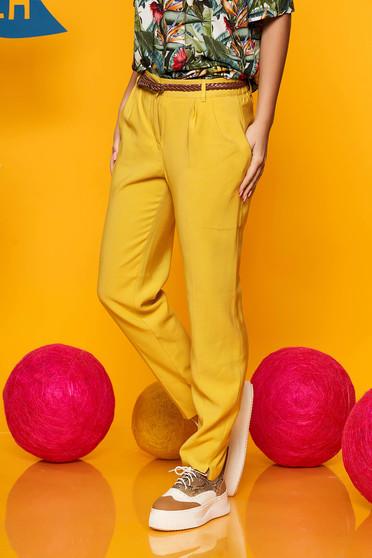 Sárga Top Secret kónikus nadrág lenge anyagból öv típusú kiegészítővel