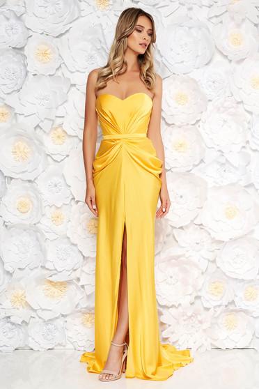 Sárga Ana Radu ruha szatén anyagból váll nélküli szivacsos, push-up-os mellrész övvel ellátva