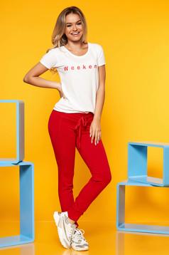 56ce9f5939 Piros elegáns két részes női kosztüm gyöngyös díszítés öv típusú ...