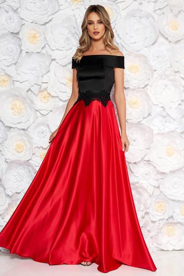 Piros alkalmi váll nélküli harang ruha szatén anyagból kézzel felvarrt himzett részletekkel