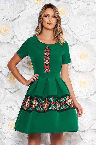 Zöld elegáns hétköznapi harang ruha rövid ujjakkal kerek gallér hímzett