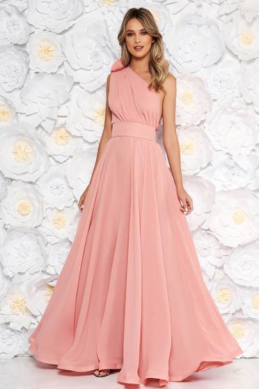 cd34700de0 Világos rózsaszín Ana Radu alkalmi harang ruha fátyol anyag övvel ellátva