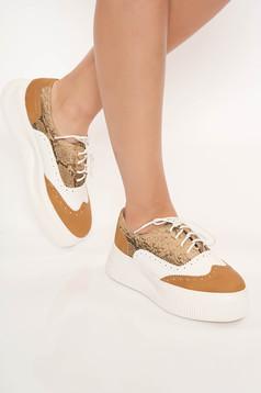 Cappuccino cipő casual fűzővel köthető meg műbőrből