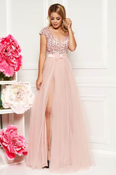 d4411b170c Világos rózsaszín alkalmi mellrésznél szivacsos hátul kivágott hosszú  harang ruha