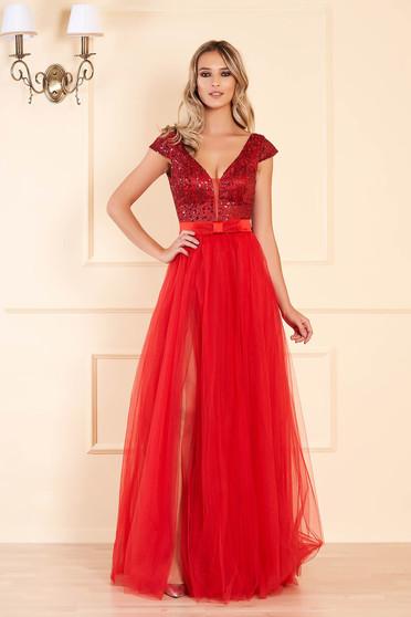 Piros alkalmi mellrésznél szivacsos hátul kivágott hosszú harang ruha