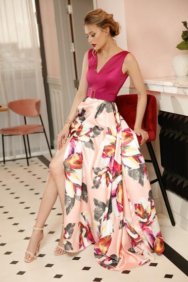 Világos rózsaszín PrettyGirl alkalmi harang ruha szatén anyagból virágmintás díszítéssel övvel ellátva