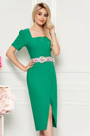 Zöld elegáns hétköznapi midi ruha karcsusított szabás enyhén rugalmas anyag öv típusú kiegészítővel