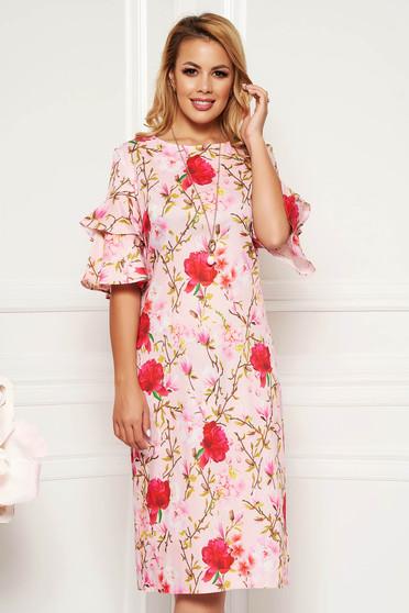 Rózsaszínű hétköznapi ruha egyenes fodrozott ujjakkal nyakláncal kiegészítve