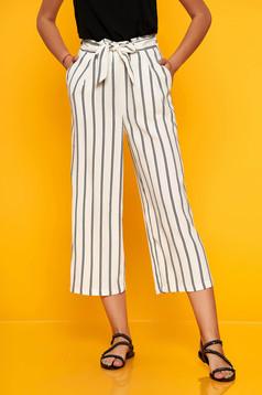 Fehér casual egyenes nadrág elasztikus csípővel és övvel ellátva