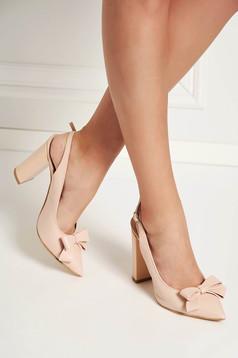 Világos rózsaszín cipő elegáns masni díszítéssel enyhén hegyes orral