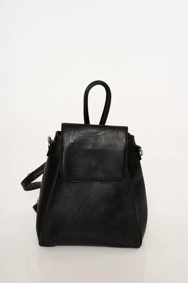 Fekete casual műbőr hátizsákok állítható pántokkal