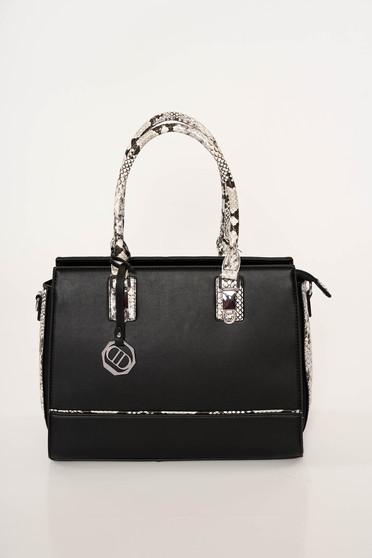 Fekete elegáns kígyómintás táska műbőrből