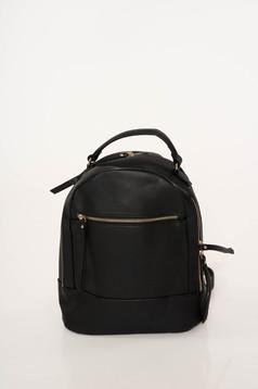 Fekete casual műbőr táska állítható pántokkal és cipzárral