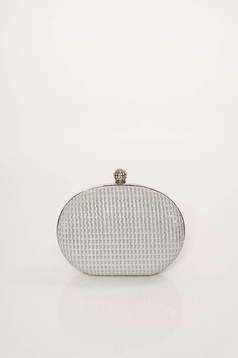 Ezüst alkalmi táska hosszú, lánc jellegű akasztóval elegáns csillogó díszítések csillogó szál