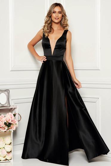Fekete elegáns szatén harang ruha v-dekoltázzsal