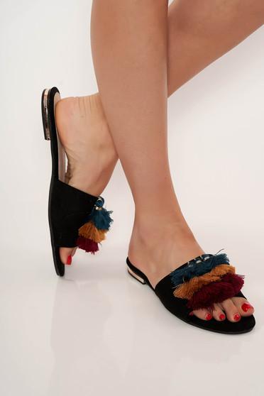 Fekete casual lapos talpú bojtos cipő
